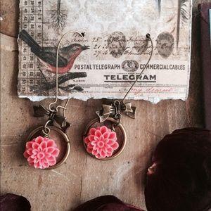 Jewelry - Pink flower earrings