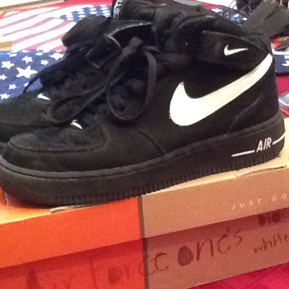 promo code 92ee7 9ad6a Air Force 1 Mid black suede shoes. M_556f855378b31c27f001c69b