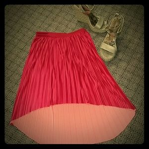 Xhiliration pleated high low skirt