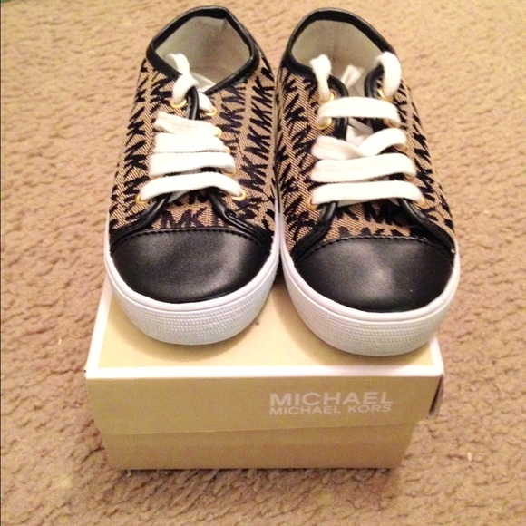ca964cd9db46 michael kors shoes for kids boy outlet tempe az - Marwood ...
