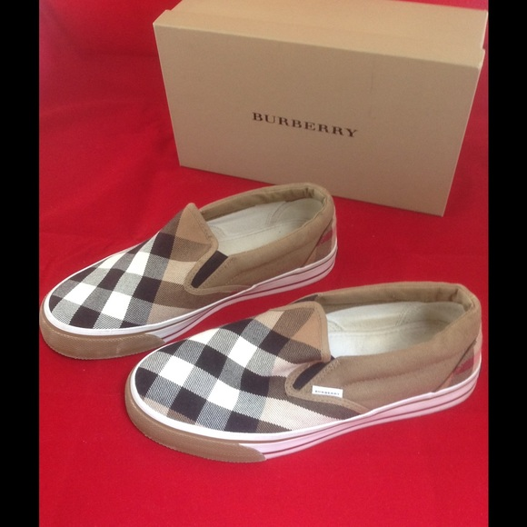 54f5a0691bb Burberry Shoes - Burberry Women Flat Slip on sneakers -Gauden