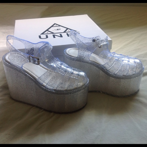0ad3eec9be03 Unif Hella Jelly Clear Glitter Size 5 NEW