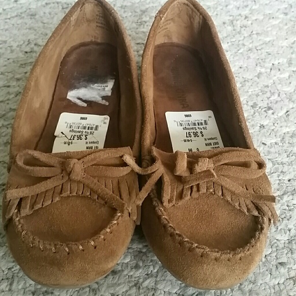 Since , Minnetonka Moccasin has been a staple of American style. Moccasins and more for men and women/5(7).