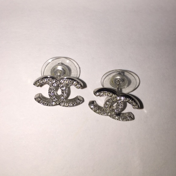 78403ffb3ff00 100% Authentic Chanel Double C Logo Earrings