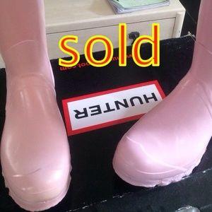 Pastel pink Hunter rain boots size 10