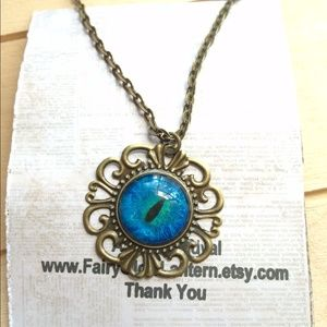 Jewelry - Steampunk dragon eye necklace