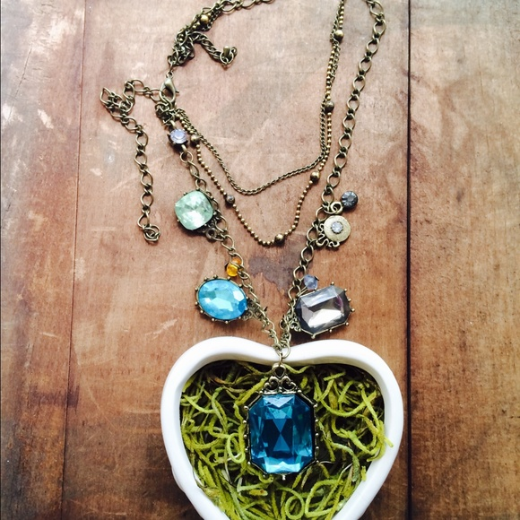 Urban Outfitters Jewelry - New with tag blue charm zircon necklace