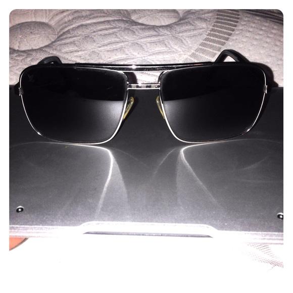 f6186ebb1fb9 Louis Vuitton Accessories - Louis Vuitton Attitude Sunglasses z0260u  authentic