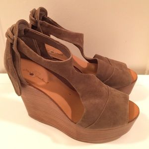 7 for All Mankind Kristen Suede Wedge
