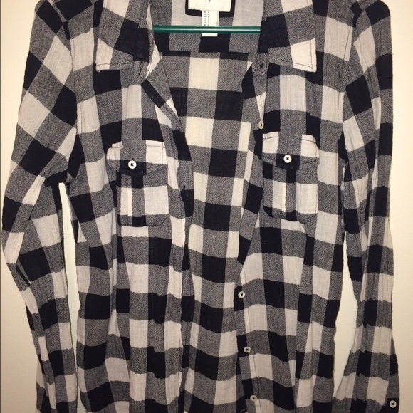 63 Off Tops Black And White Buffalo Plaid Style Shirt