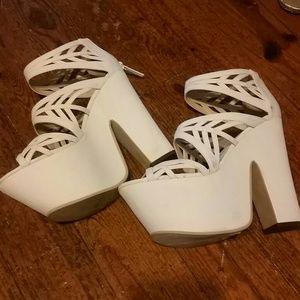 Keeeping.Nasty gal rad white platforms! Size 5.5