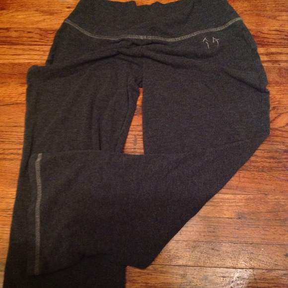 87% off Green apple Pants - Green apple size small yoga Capri from ...