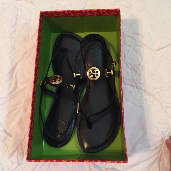 d50b912ea5719 Tory Burch Ali Anteka thong sandals 9.5 Black