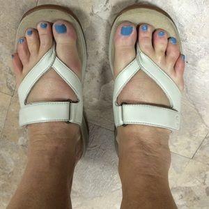 Rockport leather flip flops