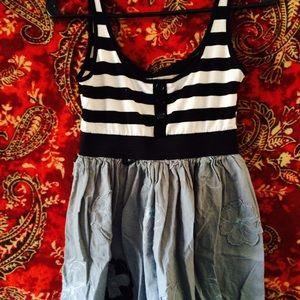 Dresses & Skirts - Flowy Double Print Flower/Stripe Dress