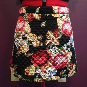 Quilted flower high-waisted mini skirt