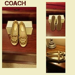Coach casual Margot flats NIB