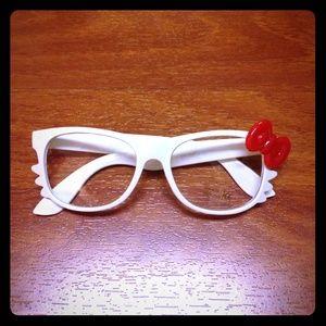 Accessories - Hello Kitty Fun shades! (White)