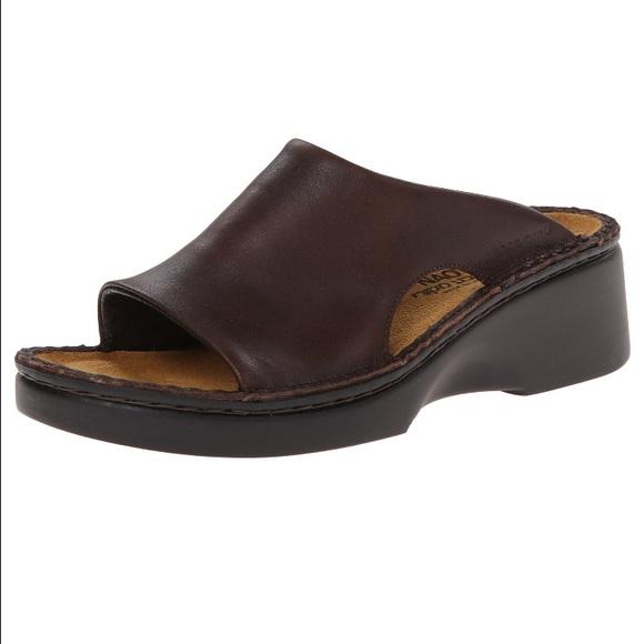 c171324b9219 Naot Rome Wedge Sandal