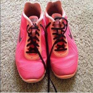 Nike Shoes - Nike pink sneakers