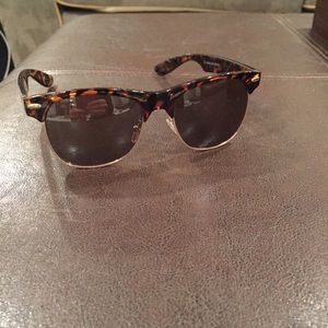 Great Sunglasses, TortoiseShell Frame, Great Cond