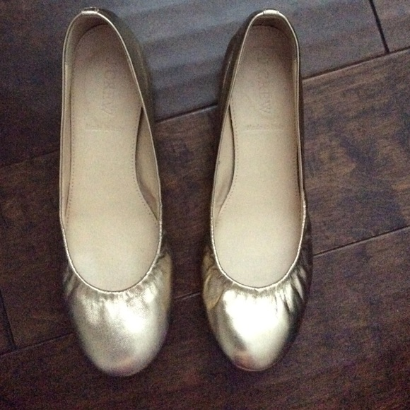J. Crew Gold Flats  Like New  96555c364