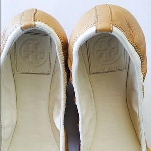 ff4bc85cc96d Tory Burch Shoes - Tory Burch Tan   White Eddie Bow Flats