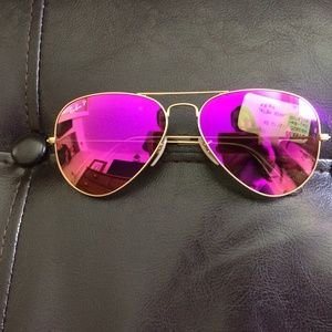 c937ba358d9 Ray-Ban Accessories - Pink Mirrored Polarized Aviator Ray-Ban