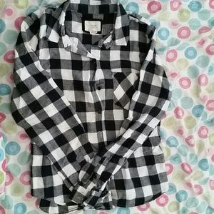 55 off forever 21 tops forever 21 black white plaid flannel from rose 39 s closet on poshmark. Black Bedroom Furniture Sets. Home Design Ideas
