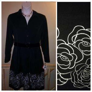 Oscar de la Renta Dresses & Skirts - CLEARANCE SALE 🎉Rose stitching swing  dress.