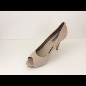 Banana Republic Dagmar Sandalwood Pumps