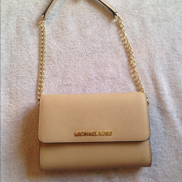 f29fb5fcc1ad Michael Kors Bags | Jet Set Saffiano Leather Crossbody | Poshmark