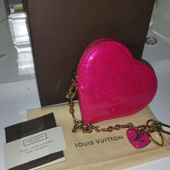 ee62afe654ee Louis Vuitton Handbags - Authentic LOUIS VUITTON Vernis Heart Coin Purse