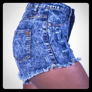 High Waisted Jean Shorts 💕!
