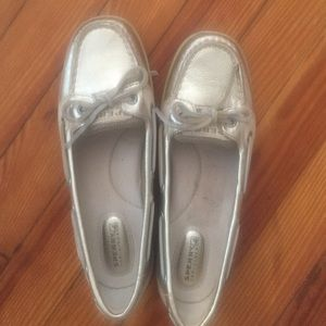 Brand new silver SPERRY TOP SIDERS. Size 7.5!