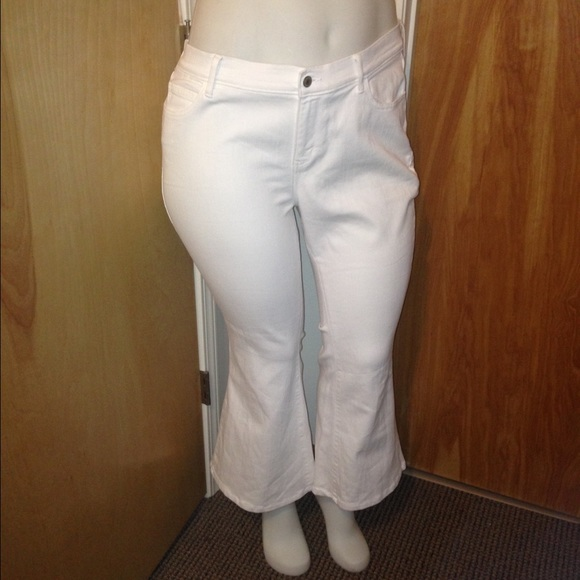 Find the perfect petite pants at Ann Taylor. Shop versatile ankle pants, trousers, leggings, & more at the right length, for everyday from work to weekend. Size. 00 0 2 4 6 8 10 12 14 16 XXS XS S M L XL apply clear all X. Color. Beige (2) Black (34) Blue (32) The Petite Ankle Pant In Seasonless Stretch - .