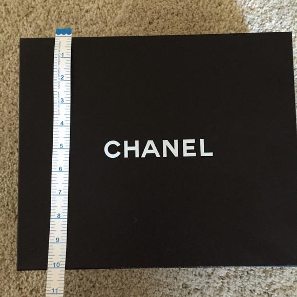 chanel shoes box