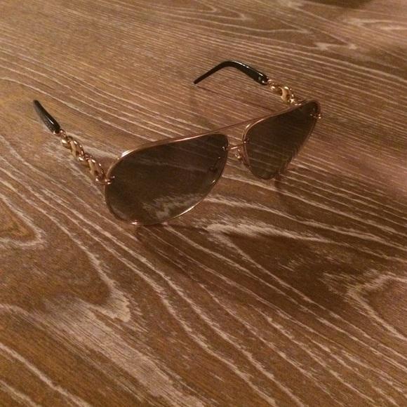 2db8d060f65 Gucci Accessories - Current GUCCI Aviator Gold Sunglasses Copper