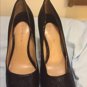 "Lovely ""Gianni Bini"" heels size 9"