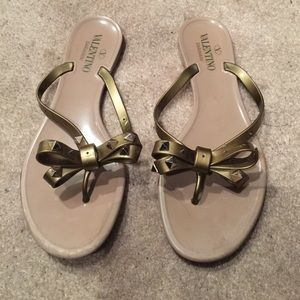 valentino shoes flip flops gold poshmark. Black Bedroom Furniture Sets. Home Design Ideas