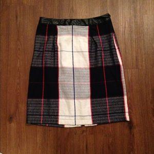 Plaid midi pencil skirt
