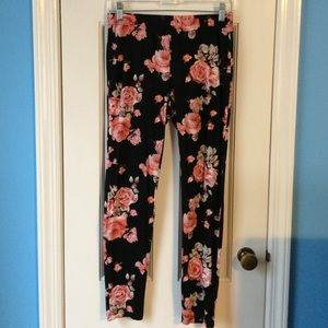 Forever 21 Pants - Rose print Pattern Leggings