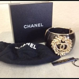 """CHANEL Jewelry - AUTHENTIC CHANEL CUFF GOLD WHEAT& """"FAUX BOIS"""" 10P"""