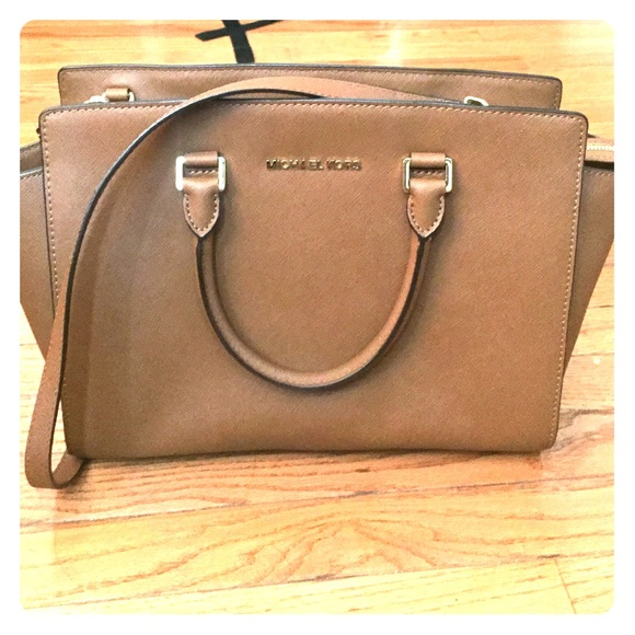 921e4872d387b Michael Kors Selma Large Saffiano Leather Satchel.  M 5575f45a8e1c617f5500a465