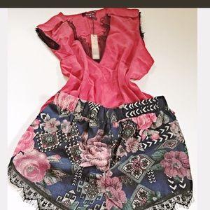 Pants - 🆑SALE‼️Lace hem floral shorts🌺
