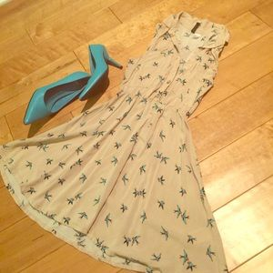 Sparrows over nude babydoll dress H&M sz 2 ❤️
