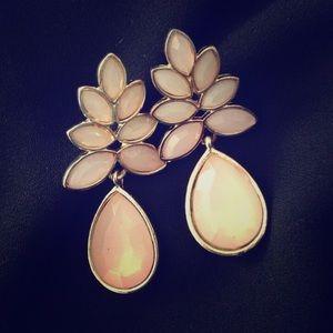 Light pink drop earrings