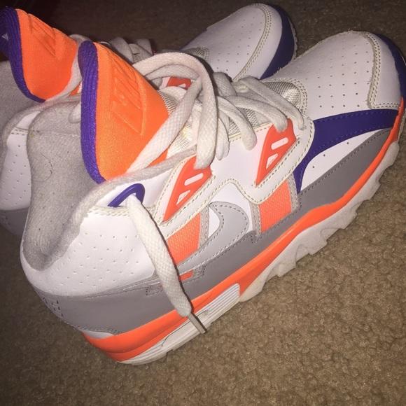 Nike Shoes   Boys Size 5y Bo Jackson