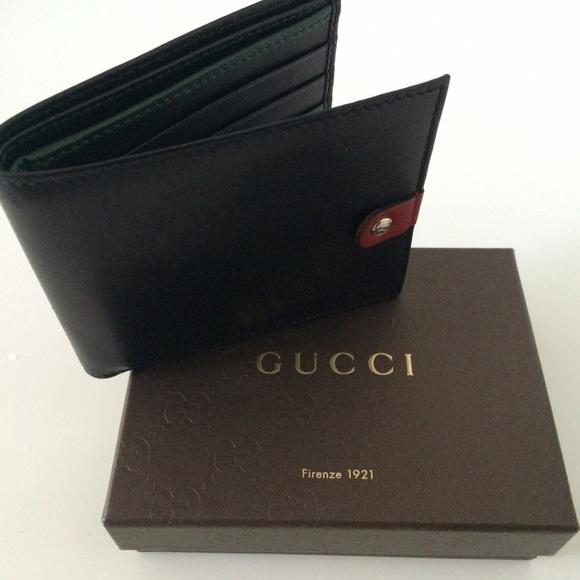 6057e01de74f Gucci Bags | Nib Mens Logo Bifold Black Leather Wallet | Poshmark