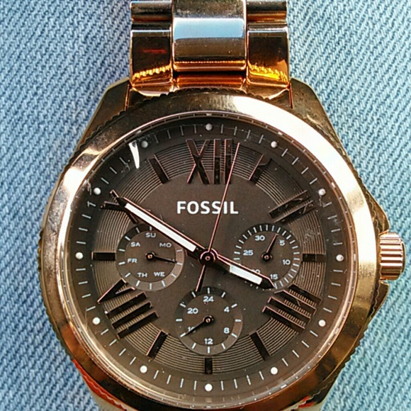 40 off fossil jewelry fossil rose gold tone watch from dorothy 39 s closet on poshmark. Black Bedroom Furniture Sets. Home Design Ideas